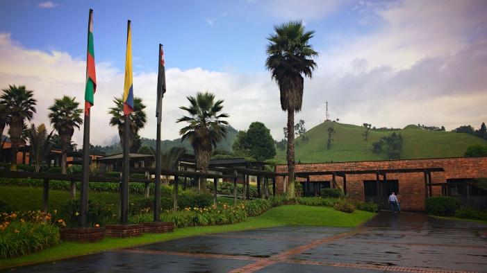 Plaza de las banderas Recinto